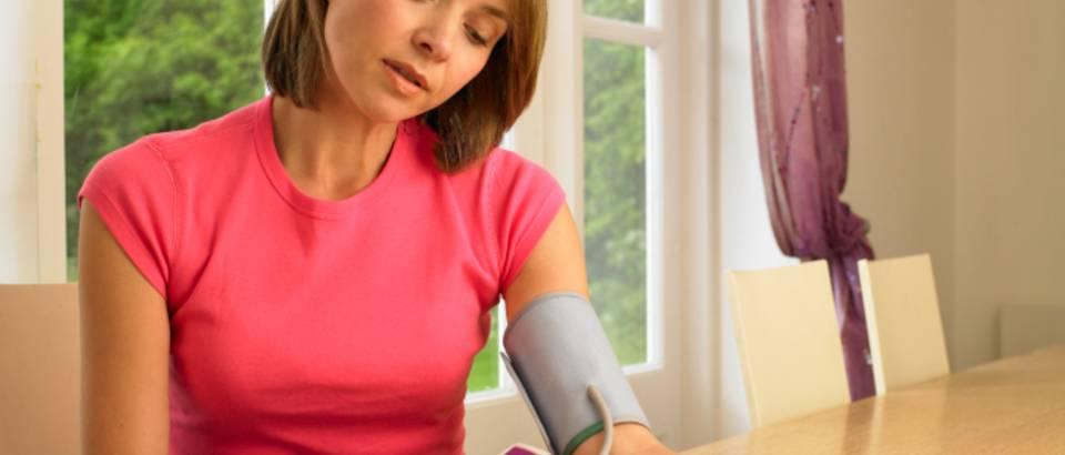 menopauza hipertenzija 1 stupanj hidrocefalus s hipertenzijom