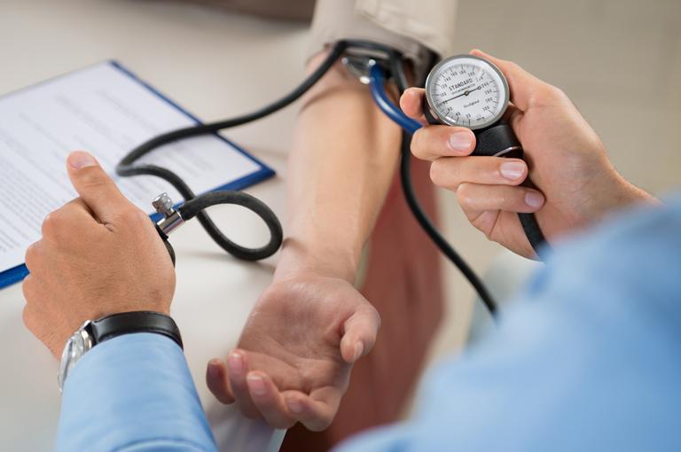 Arterijska hipertenzija 1 stupanj rizika 1 uzima se u vojsku