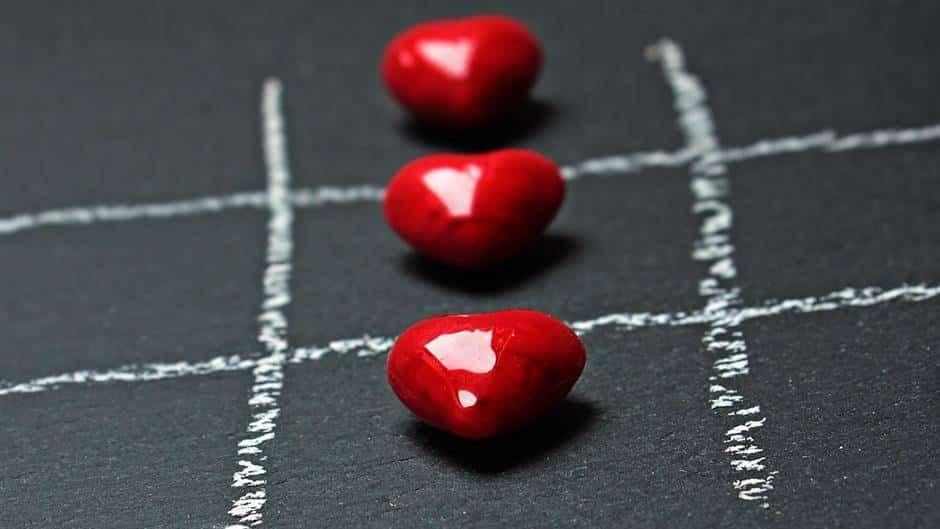 kako bi se utvrdilo da osoba ima visoki krvni tlak mokraćne kiseline i hipertenzije