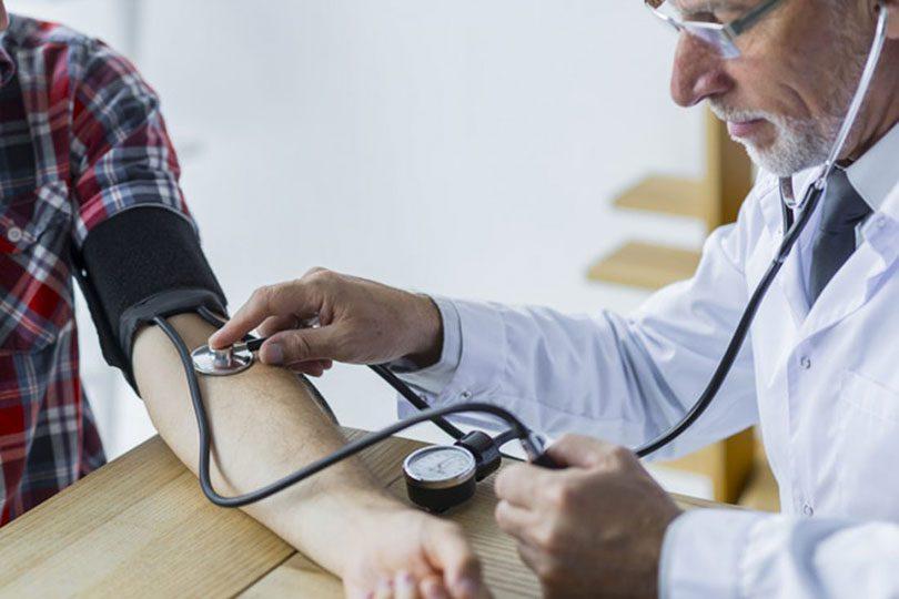 kako bi se utvrdilo da osoba ima visoki krvni tlak kako se borio s hipertenzijom u srednjem vijeku