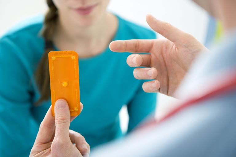Prijenos tableta o hipertenziji ,igračka djevojka