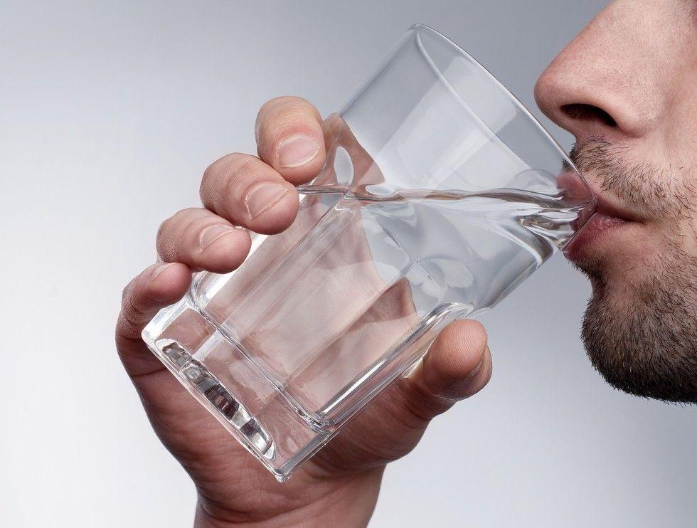 hipertenzija koliko možete piti vodu jedan dan hipertenzije kod ljudi u 60 godina