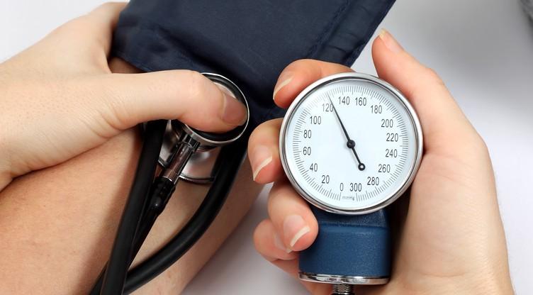 hematurija i hipertenzija