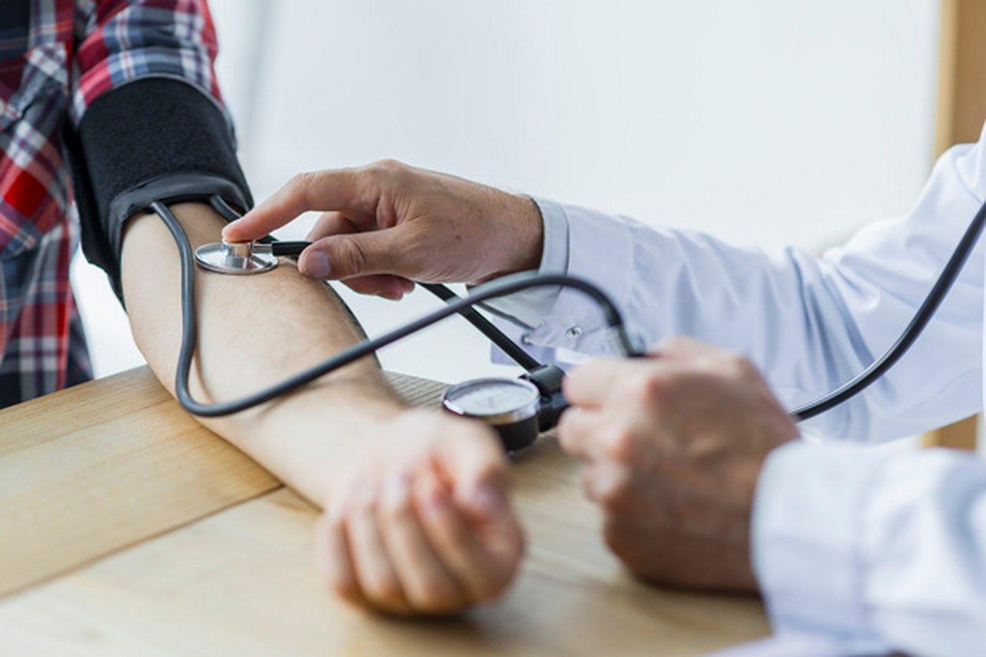 napad panike visokog krvnog tlaka akupunktura i hipertenzija